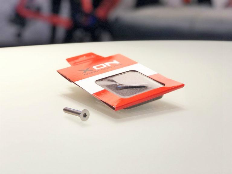 【PINARELLO Customize】鉄製のボルトをチタンボルトへ交換